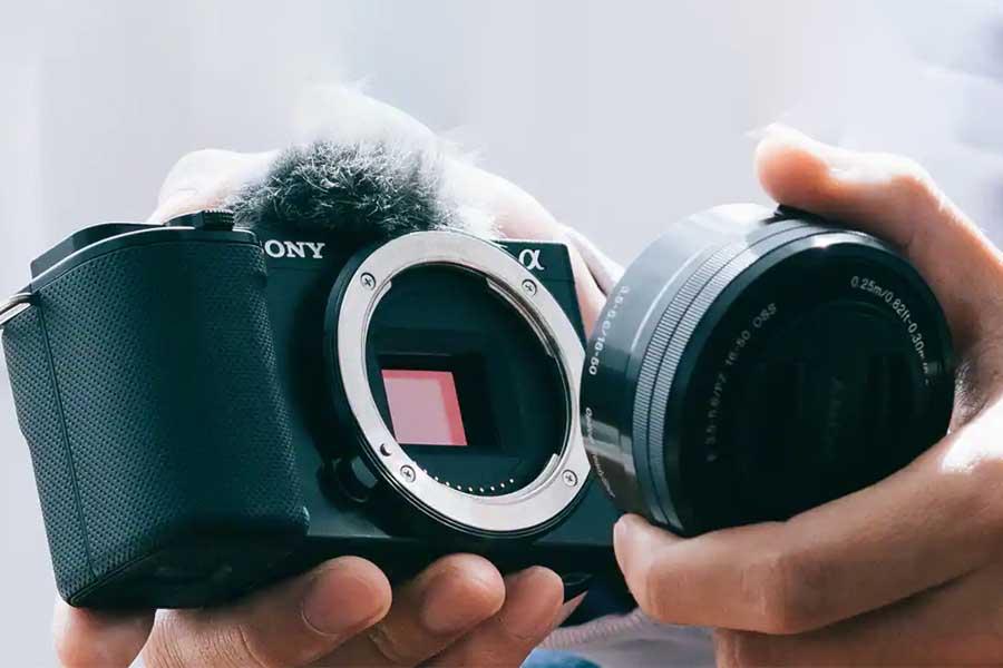 Sony ZV-E10 Design and Body