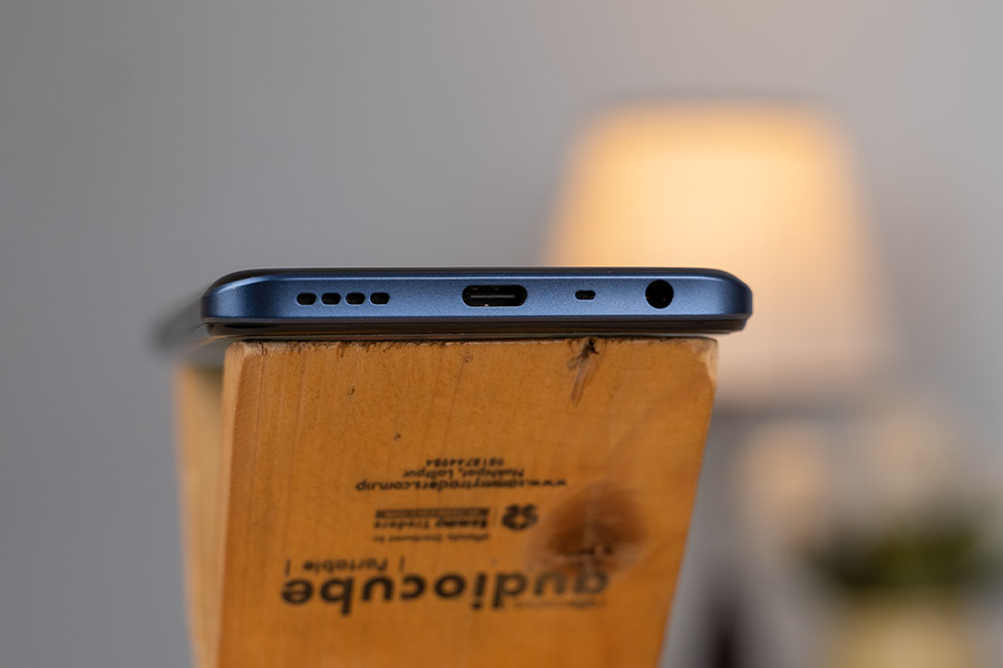 Realme 8s Ports and Connectivity
