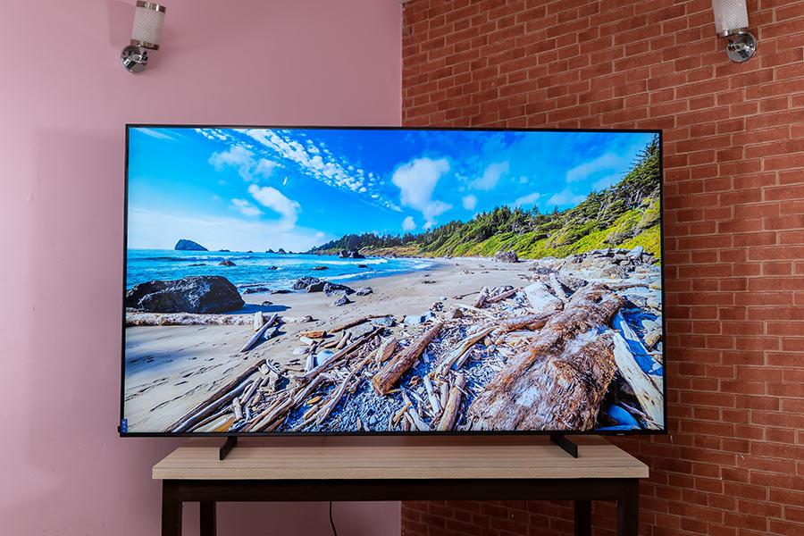 Samsung AU8000 75 4K TV Display-1