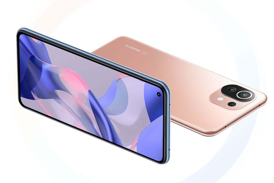 Xiaomi 11 Lite NE 5G display and Design